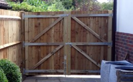 secure-back-garden-gate-lancing