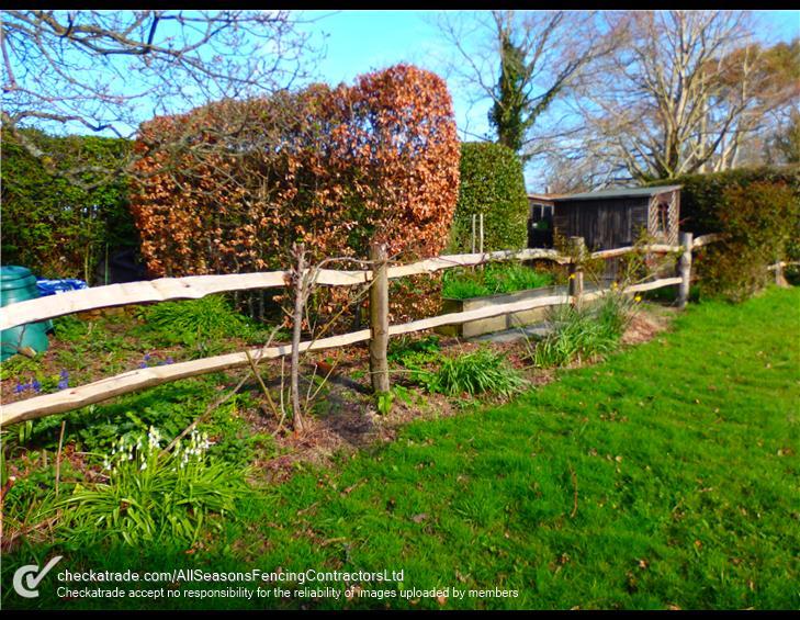 Chesnut-post-rail-fencing-Hurstpierpoint